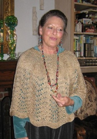 PobbyPoncho with scalloped edge